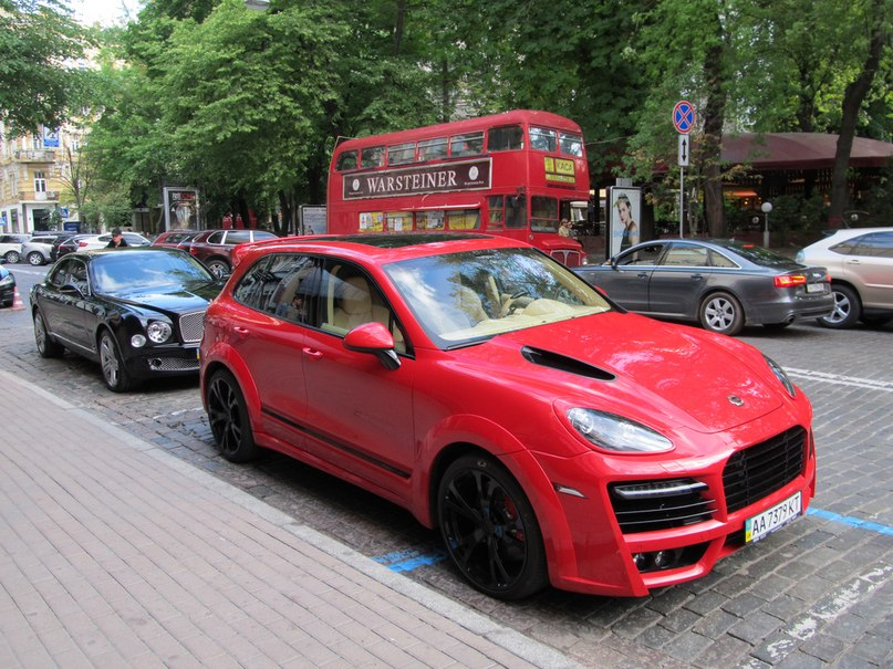 Porsche Cayenne TechArt Magnum Red 958