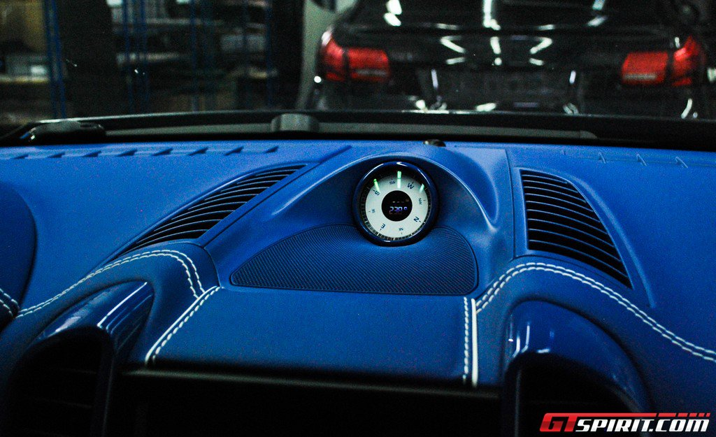 TechArt_carbon_bluer_3.jpg